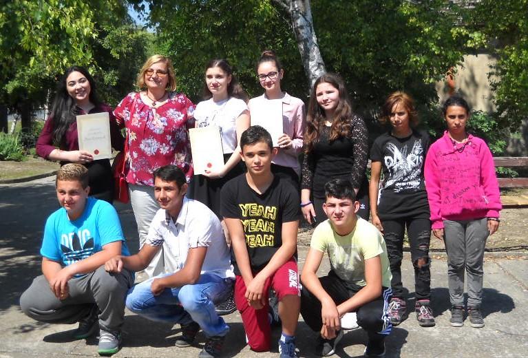 """Absolvenții Școlii generale ,,2 Octombrie"""" din Nicolinț au primit certificatele"""
