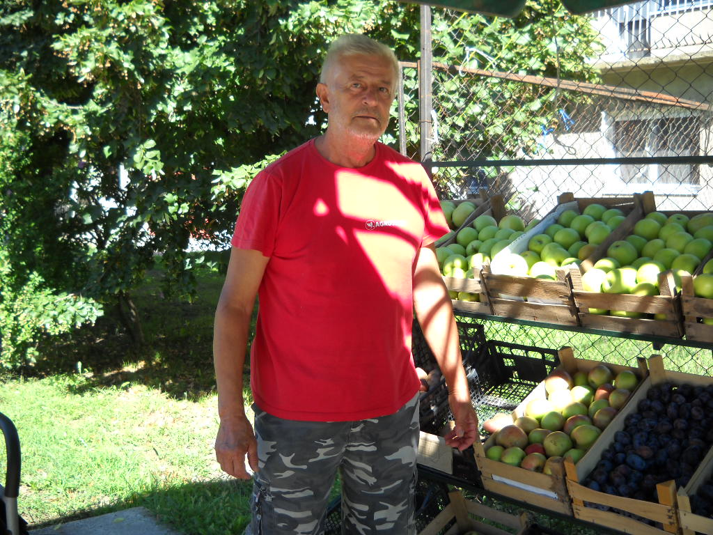 Miodrag Andrić, pomicultor din Banatski Karlovac   Produsele pomicole sunt dezapreciate
