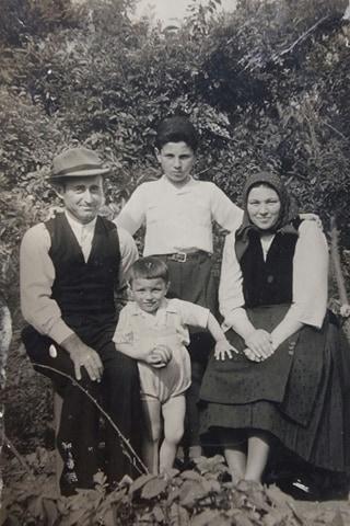 Din vremuri uitate – Maria și Dămian Stoiț din Torac
