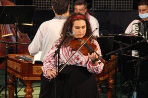 Angela Bugar, Ecica (vioară)