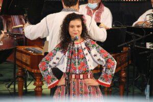 Vanesa Crețu, Uzdin (voce)