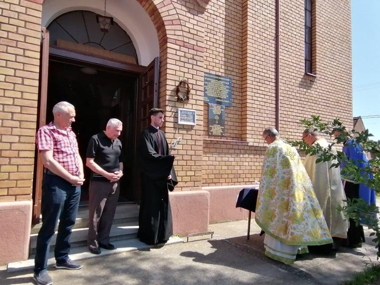 MOMENT FESTIV LA B.O.R. DIN COȘTEI: Sfințirea plăcii în cinstea cantorului Avram Drăgan