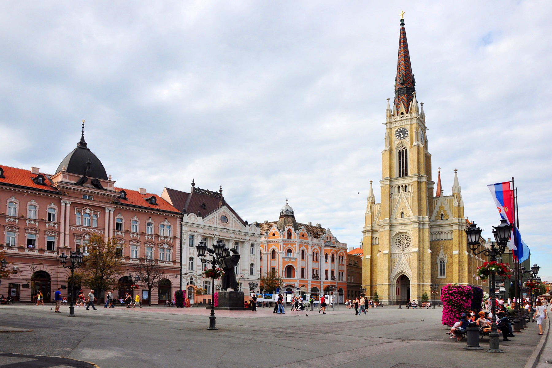 MILOŠ VUČEVIĆ, PRIMARUL ORAȘULUI NOVI SAD: Toți vor în puterea Novi Sadului
