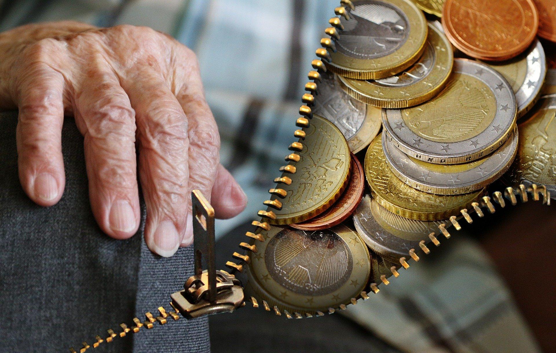 SINDICATUL PENSIONARILOR: Când ne va acoperi pensia coșul minim de cumpărături?