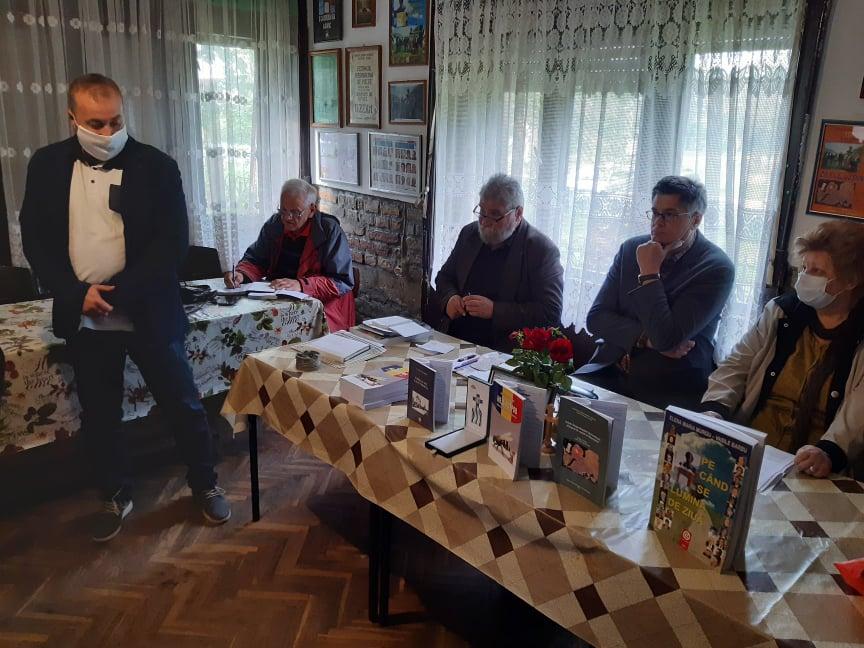 """ÎNCĂ O REUŞITĂ MANIFESTARE LITERAR-ARTISTICĂ LA """"TIBISCUS"""" DIN UZDIN"""
