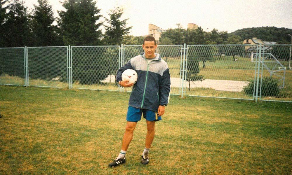 O carieră națională și internațională de fotbalist