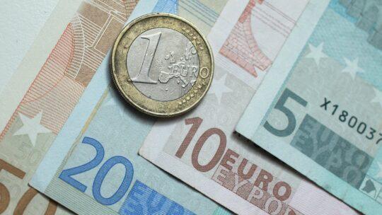 Eurodeputații vor un mecanism pentru statul de drept