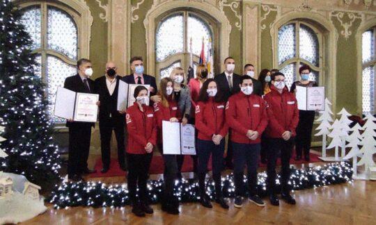 Instituţiile sanitare, cadrele medicale şi voluntarii, eroii anului 2020
