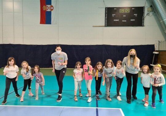 Activității recreativ-sportive și antrenamente gratuite pentru fete de vârstă preșcolară și primară
