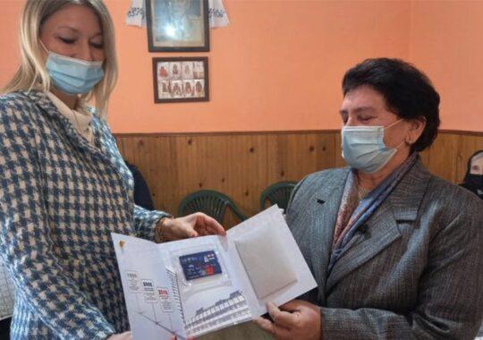 """Banca """"Poštanska Štedionica"""" a donat 200.000 dinari Asociației Femeilor """"Bunicuțele"""" din Uzdin"""