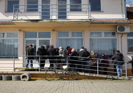 Un număr mare de persoane s-au prezentat la ambulatoriul din Vlăicovăț