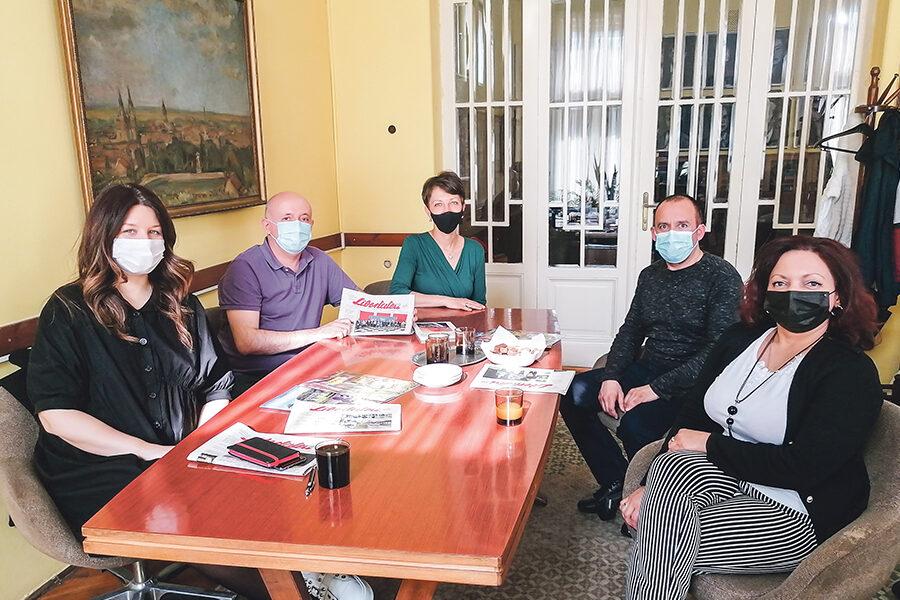 """Conducerea Uniunii Ziariştilor din Serbia în vizită la ,,Libertatea"""""""