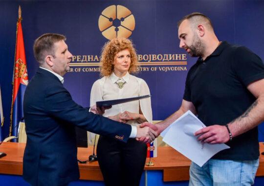 Tot mai mulţi bani pentru îmbunătăţirea apiculturii în Voivodina
