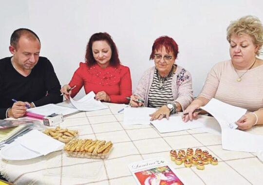 Expoziție comună la Vârșeț a pictorilor români din Serbia și România
